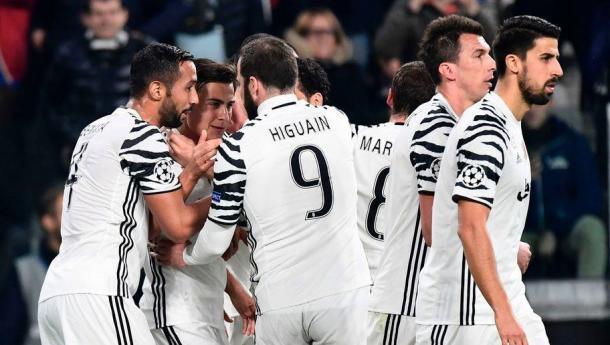 Il gruppo bianconero durante il match vinto per 1-0 contro il Porto.   minutemediacdn.com