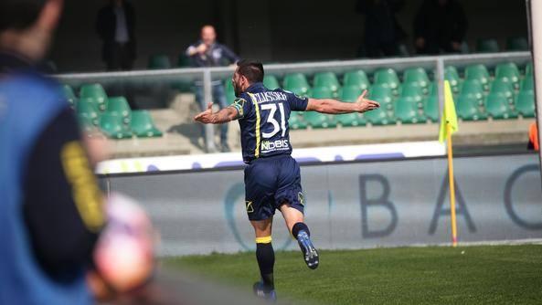 Sergio Pellissier festeggia la rete siglata all'andata (partita terminata sul risultato di 1-2). | larena.it