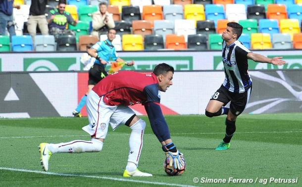 Perica esulta per il gol con il Cagliari. Fonte: www.facebook.com/UdineseCalcio1896