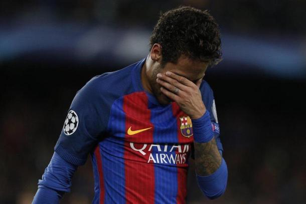 La delusione di Neymar a fine partita