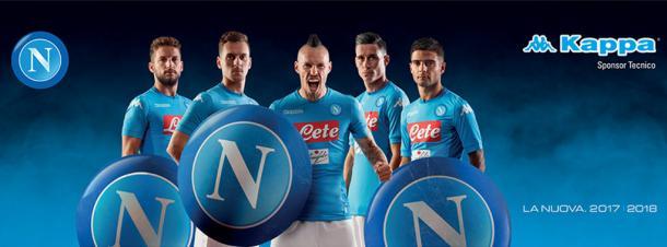 Primera equipación del Napoli. / Foto: sscnapoli.it