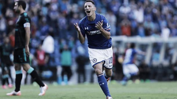 Voltereta del 'Chaco' gana el Cruz Azul | Fuente: Mediotiempo