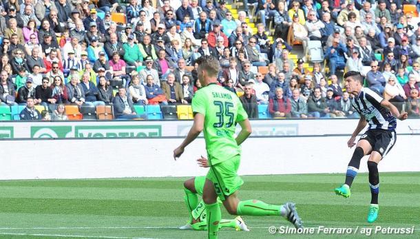 Perica scocca la fucilata dell'1-0. Fonte: www.facebook.com/UdineseCalcio1896