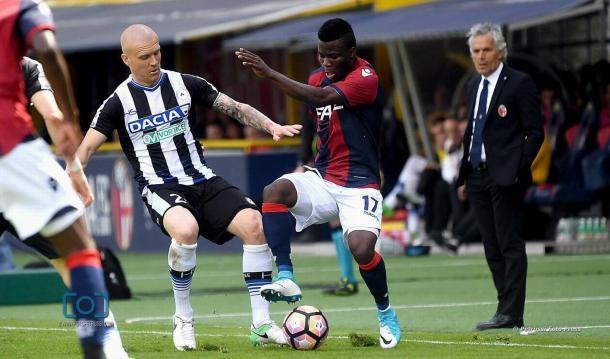 Hallfredsson nel match con il Bologna. Fonte: https://www.facebook.com/UdineseCalcio1896