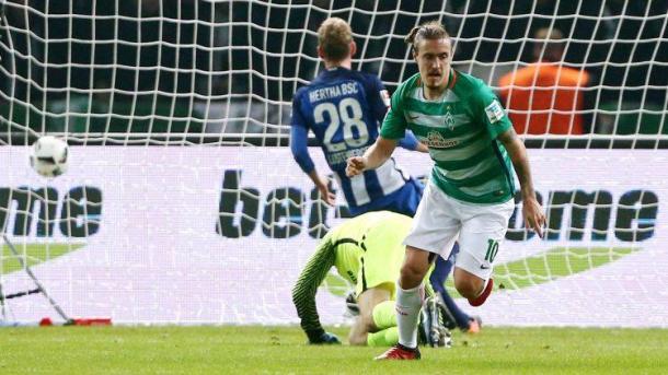 Kruse esulta dopo il gol decisivo all'Olympiastadion nella gara d'andata tra Hertha e Werder, terminata 0-1. | Fonte immagine: Bundesliga