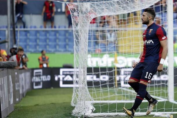 Dopo l'infortunio occorso a Lapadula, l'attacco rossoblu ruota attorno a Galabinov, qui in gol con la Juve. Fonte foto: lapresse