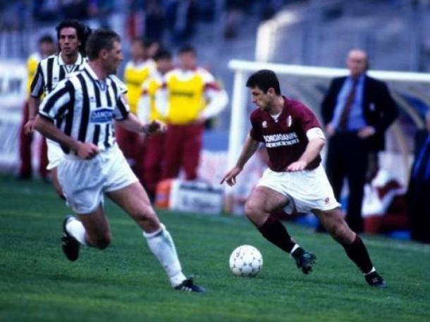 Una foto d'epoca: Ruggiero Rizzitelli in quella storica vittoria targata 1995 del Torino in casa della Juventus. | calcioweb.eu