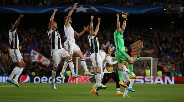 L'esultanza dei bianconeri al Camp Nou dopo aver passato il turno con uno 0-0. | corrieredellosport.it