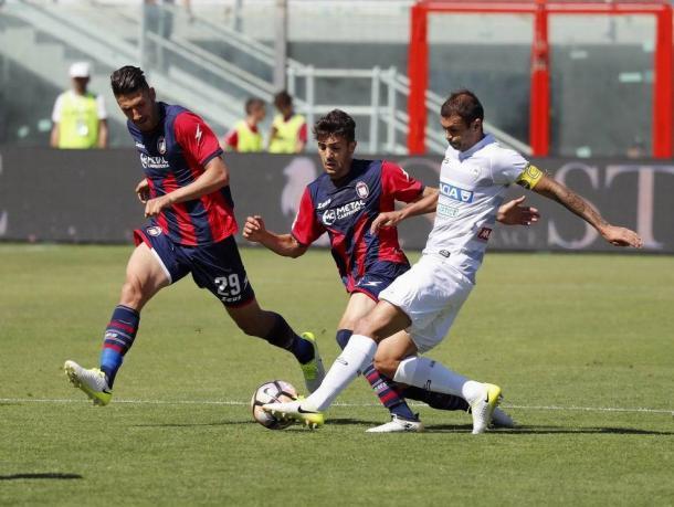 Danilo nel match con il Crotone. Fonte: https://www.facebook.com/UdineseCalcio1896