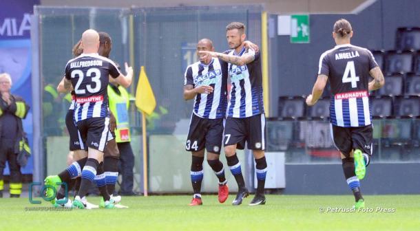Thereau esulta per il gol. Fonte: https://www.facebook.com/pg/UdineseCalcio1896
