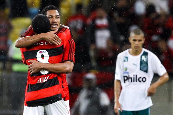 Hernane e Elias eram dois destaques do Rubro-Negro em 2013. (Foto: Buda Mendes/Getty Images)