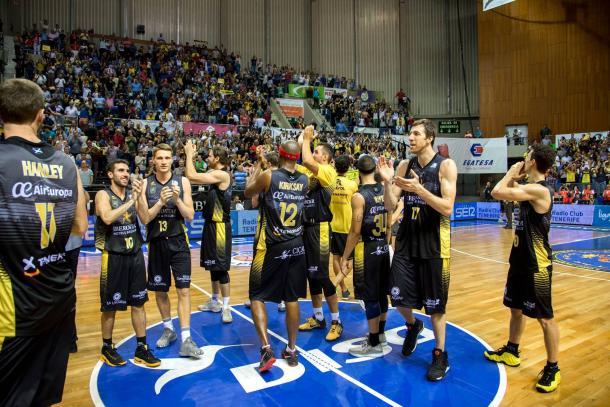 El Iberostar celebra la victoria ante su público | Fotografía: ACB.
