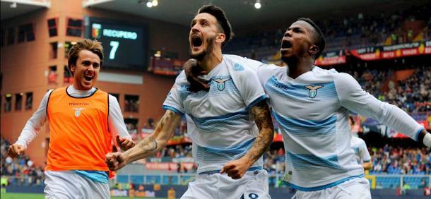 Lo scorso anno, il match tra Genoa e Lazio regalò colpi di scena a ripetizione in un finale infuocato. Alla fine fu 2-2 con un Luis Alberto in grande spolvero. Fonte foto: fantagazzetta