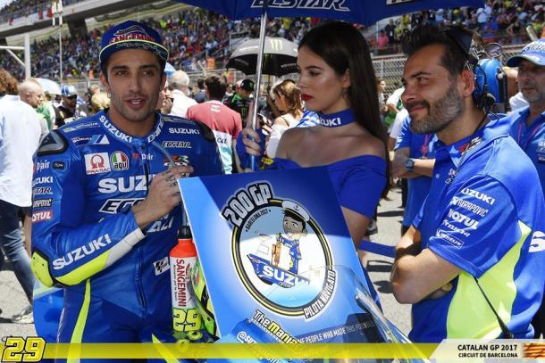 Belen Rodriguez non è desiderata ai box Suzuki nelle gare di Iannone