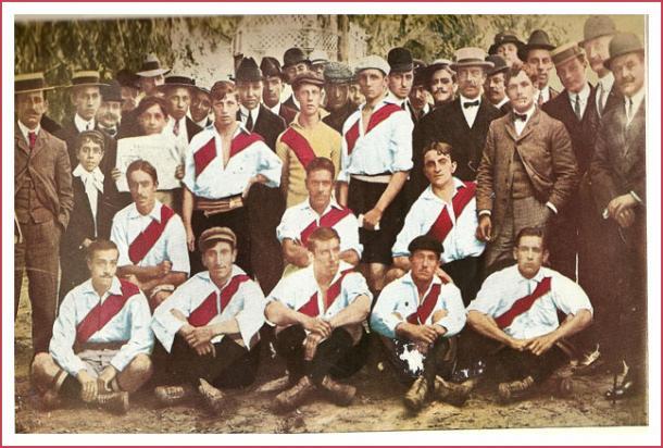 FOTO: El equipo del ascenso en 1908.