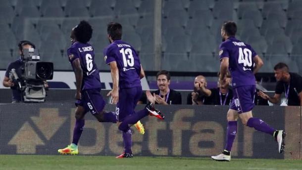 Sanchez rincorso dai compagni dopo il gol vittoria col Chievo. Fonte foto: eurosport.it