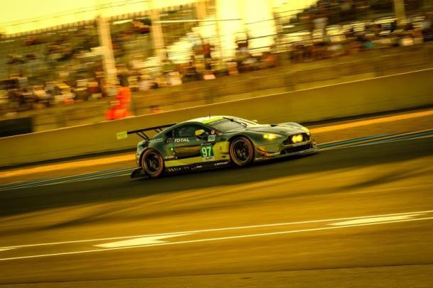Aston Martin supera Corvette e vence na classe GTE-PRO. (Foto: FIAWEC)
