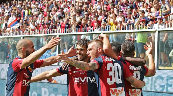 La festa del Genoa e dei suoi tifosi, in delirio dopo la salvezza ottenuta sette giorni fa. Fonte foto: corrieredellosport.it