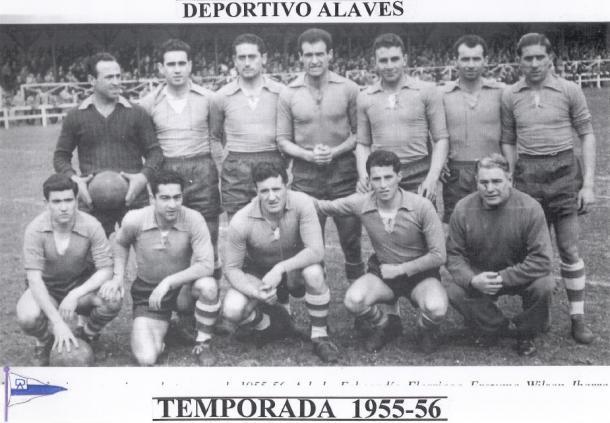Equipo del Deportivo Alavés, en la temporada 1955-56. Fuente: glorioso.net