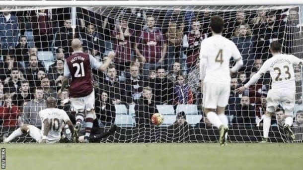 Sigurdsson equalised for Swansea as they beat Villa back in October. | Photo: Reuters