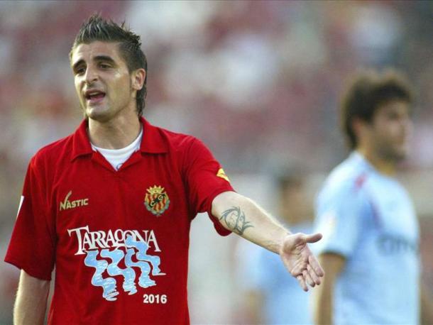 Portillo disputando un partido con el Gimnastic de Tarragona