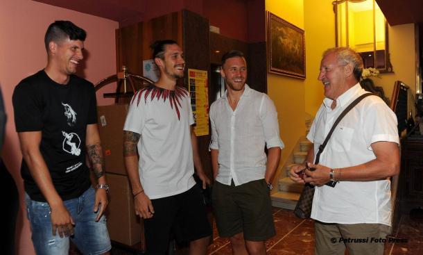 Delneri ieri con Perica, Angella e Widmer. Fonte: https://www.facebook.com/UdineseCalcio1896