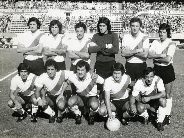FOTO: El equipo campeón Metropolitano 1975.