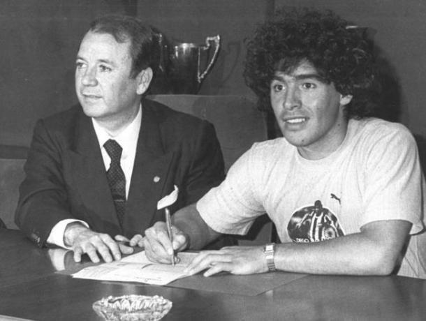Firma de contrato (foto:mundodeportivo)
