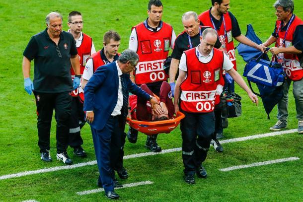 Cristiano Ronaldo saiu lesionado, em lágrimas // Foto: Facebook Seleções de Portugal