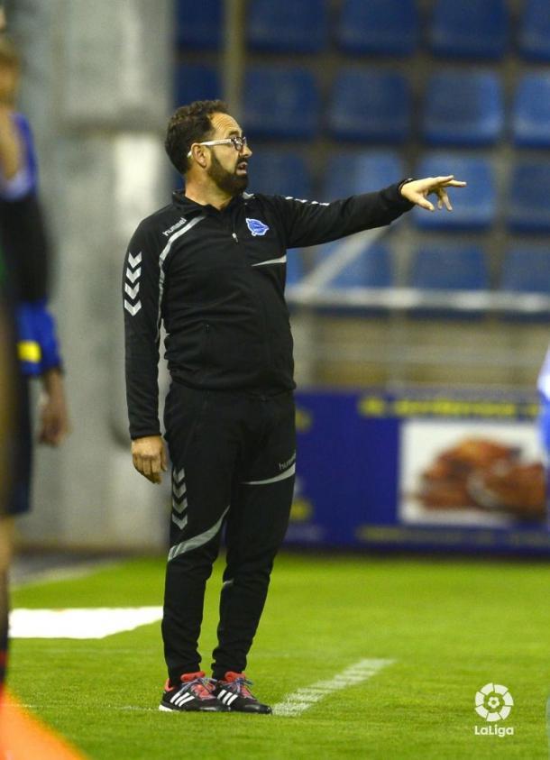 Bordalás dirige un partido del Deportivo Alavés. Fuente: LaLiga