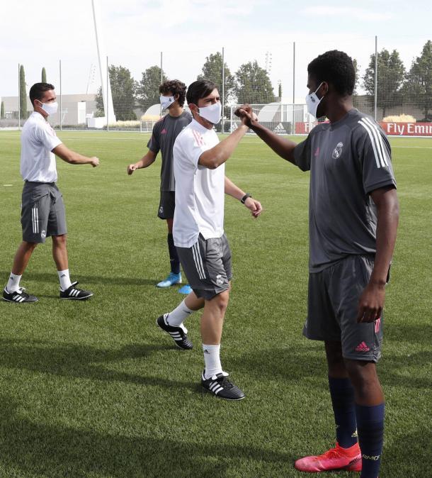 Presentación de la temporada para el Juv. B | Fuentr: www.realmadrid.com