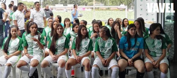 Algunas mujeres que harán parte del equipo profesional en 2018. | Foto: VAVEL