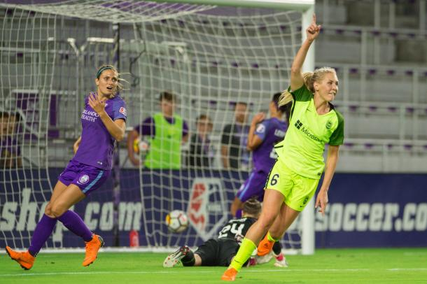 Allie Long scores her first goal for Seattle last week against the Pride | Photo: The Bold