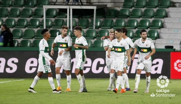 Jugadores del Elche celebrando un gol | Fotografía: LaLiga