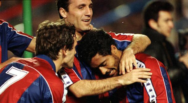 Romario, Laudrup y Stoichkov celebran uno de los goles. FOTO: FC Barcelona