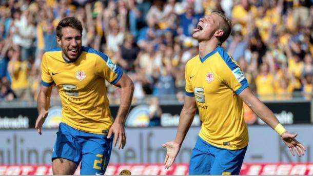 Julius Biada celebrates scoring the second goal last weekend. | Photo: SportBild/dpa