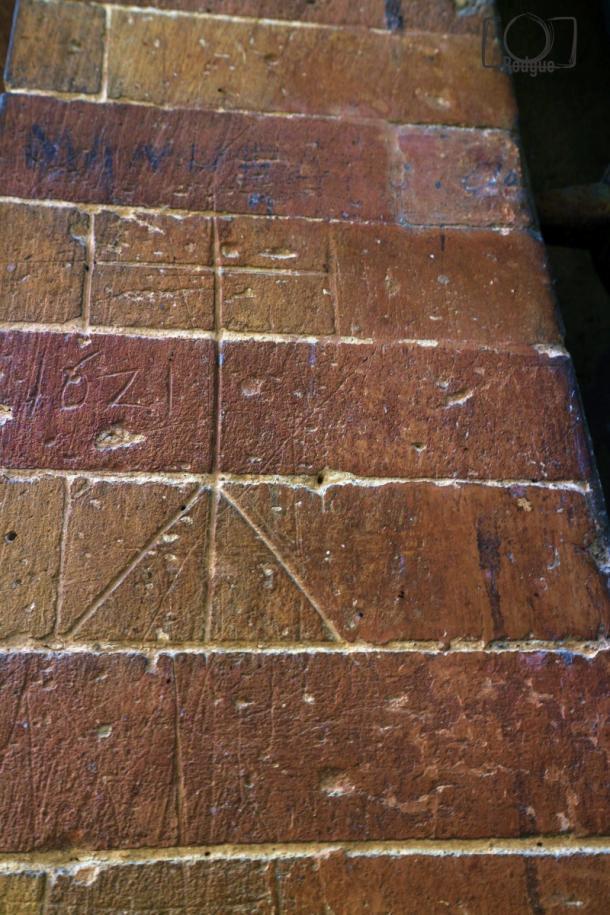 Inscripciones originales realizadas por los frailes en las piedras del Monasterio en 1621.     Foto: Fran Rodgue