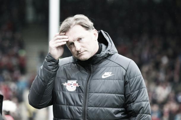 El DT del Leipzig tras la derrota | Foto: Twitter @DieRotenBullen