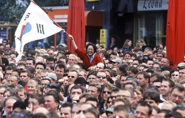 Tônica da Copa do Mundo: ruas cheias para acompanhar as partidas (Foto: Anja Heinemann/Bongarts)