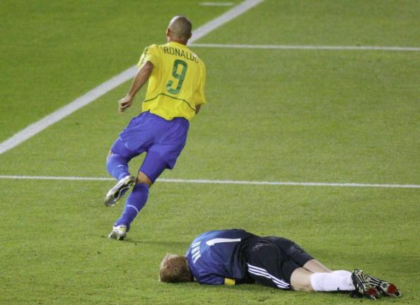 Kahn finalmente seria derrubado: Ronaldo herói brasileiro (Foto: Sandra Behne/Bongarts)