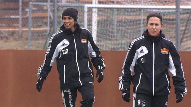 Marta y Verónica en un entrenamiento con el Tyreso I Foto: uefa.com
