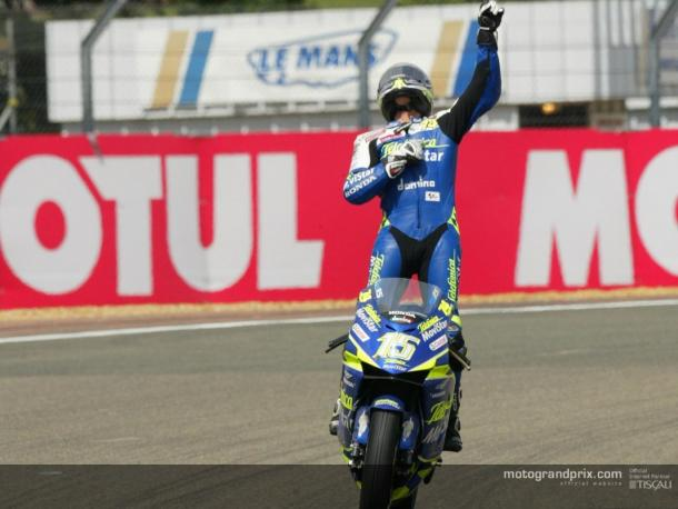 Sete Gibernau celebra su victoria y el primer triplete español / Foto: motogp.com