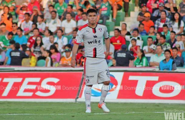 (Martín jugará 6 meses en Necaxa | Foto: Damián Besares)