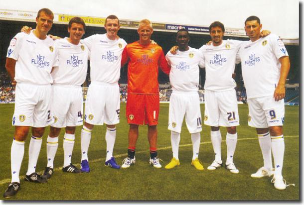 Bessone compartió vestuario con el actual campeón de la Premier, Kasper Schmeichel, en el Leeds. Foto: mightyleeds.co.uk