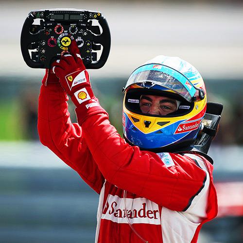 Alonso celebrando una victoria. Foto: fernandoalonso.com