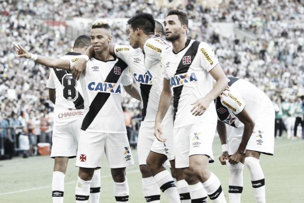 Rafael Silva e Gilberto, os autores dos gols vascaínos na final do Campeonato Carioca de 2015 (Foto: Paulo Fernandes/Vasco.com.br)