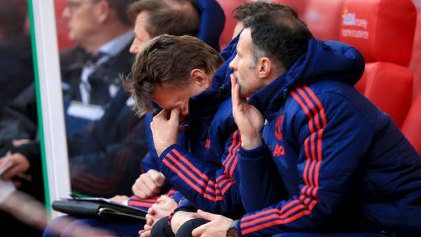 Van Gaal cuts a frustrated figure on the Manchester United bench | Photo: scotsman.com