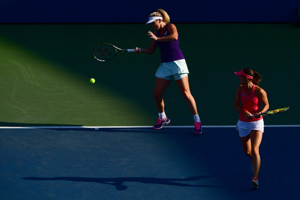 Martina Hingis and Coco Vandeweghe in action at the US Open last year | Photo: Alex Goodlett/Getty Images North America
