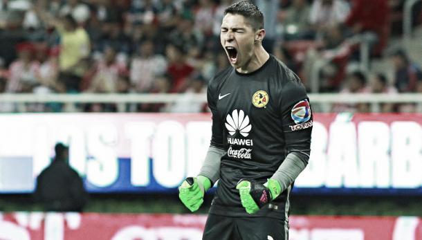 Hugo celebrando un gol en el clásico | Foto: Record