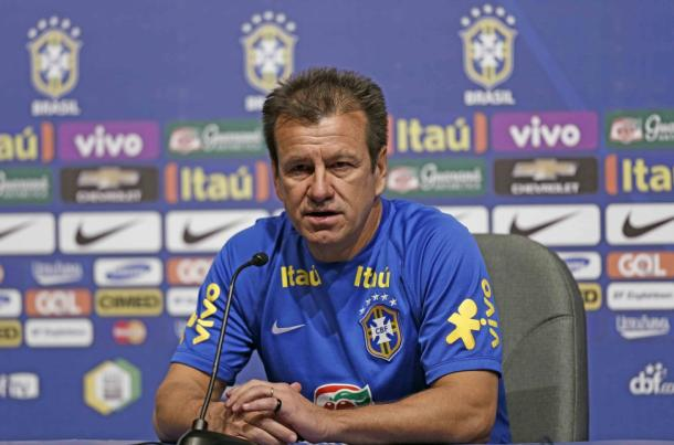 Dunga faces the media. Photo:  Rafael Ribeiro / CBF